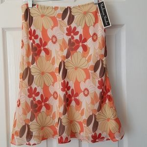 Silk floral skirt ivory,tan,corals,red sz 10P